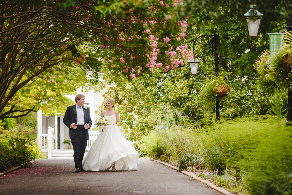 Holly And Steve S Lewis Ginter Botanical Gardens Wedding Steven And Lily Photography