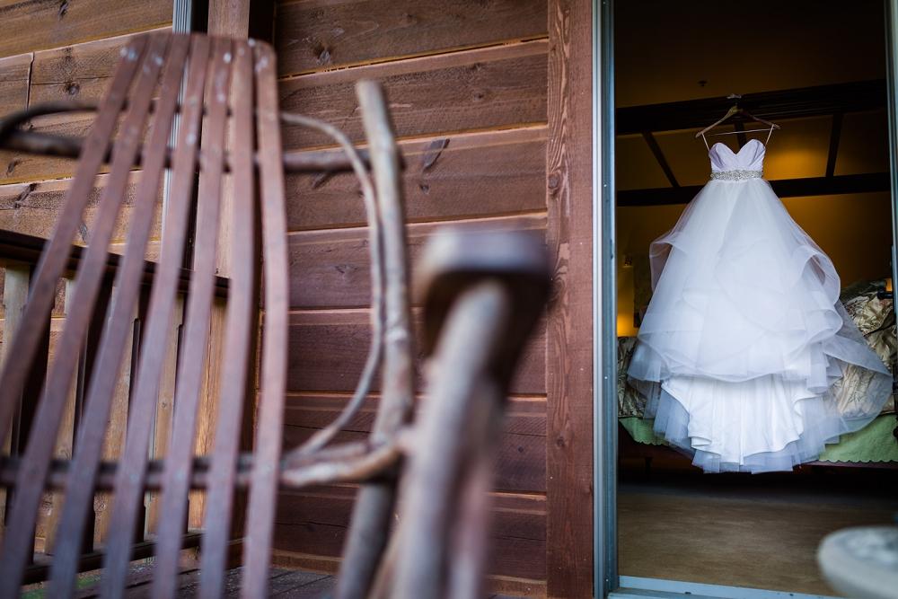 house-mountain-inn-wedding-richmond-wedding-photographers-lexington-wedding_0002